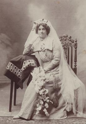 Photograph [Emma Perry (nee Shepherd) Wedding Portrait]; Muir, Thomas Mintaro Bailey (Invercargill); 1913; MT2011.185.251