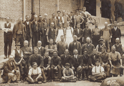 Photograph [Mataura Paper Mill employees]; unknown photographer; 1920-1930; MT2011.185.42
