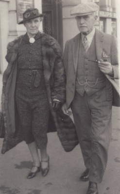 Photograph [Peter and Catherine Amos]; unknown photographer; 1940s-1950s; MT2011.185.225