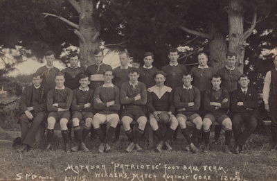Photograph, scan, [Mataura Patriotic Football Team...