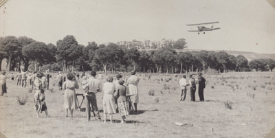 Photograph [Mataura Paper Mill employees at a picnic]; unknown photographer; 1950s; MT2011.185.50