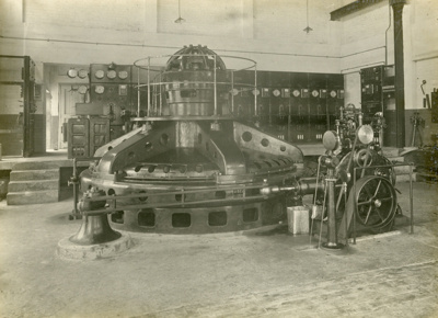 Photograph [2 of 42, McConnell Album] ; Hyne, W. Crown Studio (Gore); 1925; MT2015.15.2