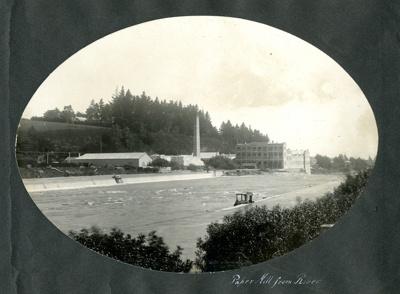 Photograph [28 of 42, McConnell Album] ; Hyne, W. Crown Studio (Gore); 1925; MT2015.15.28