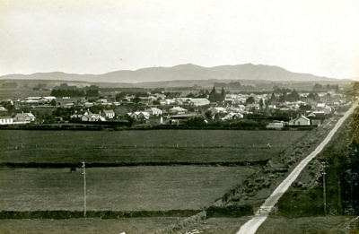 Photograph [14 of 42, McConnell Album] ; Hyne, W. Crown Studio (Gore); 1925; MT2015.15.14