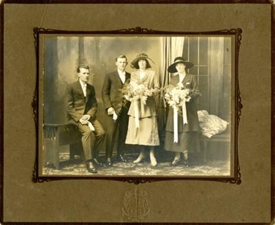Photograph [Albert Clearwater & Myra Souter's wedding portrait]; Mora Studio, The (Gore); 18.12.1921; MT2017.11.11