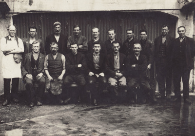 Photograph [Mataura Paper Mill employees]; Clayton, Charles (Gore); 1920-1925; MT2011.185.44