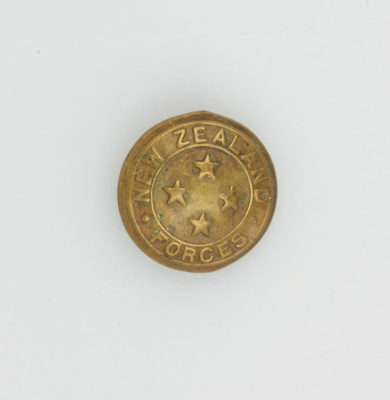 Button, four star N.Z. Forces Button [Hugh Brown McConnell]; New Zealand Government; 1939-1945; MT2015.21.9
