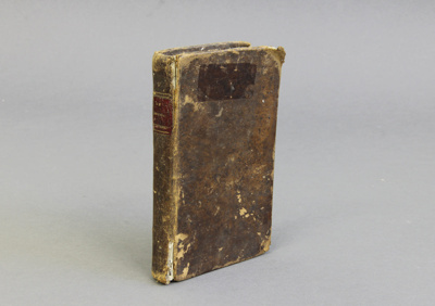 Bible; a French New Testament Bible. This book bel...