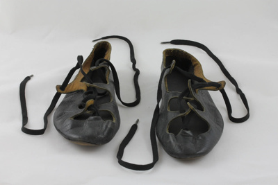 Pumps; a pair of handmade leather highland dancing...