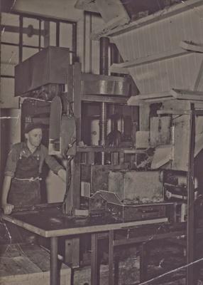 Photograph: Interior, Mataura Molactrate Factory; Hazeldines Studio (Invercargill); 1950s; MT2015.18.2
