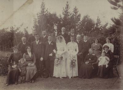 Photograph [Wassell-Johnston Wedding, Ferndale]; unknown photographer; 08.04.1909; MT2011.185.214