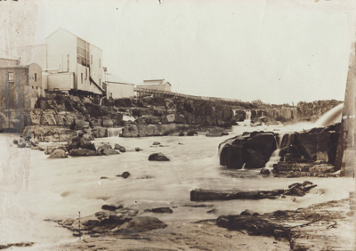 Photograph [early image of the Mataura Freezing Works]; unknown photographer; [?]; MT2011.185.7