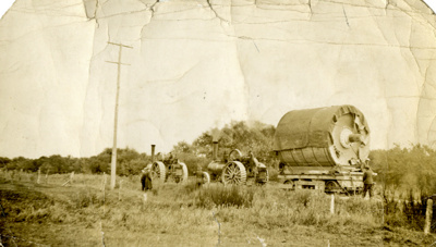 Photograph [Mataura Paper Mill Cylinder being moved from Gore to Mataura by traction engines]; unknown photographer; 1936; MT2015.3