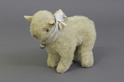 Toy, lamb; unknown maker; [?]; MT1998.153.2