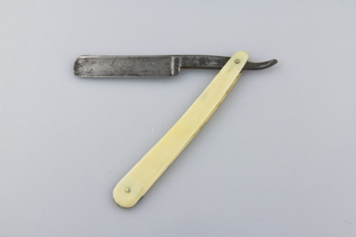 Razor, cut-throat; Cadman, T.R.  Ltd; [?]; MT1998.155.2
