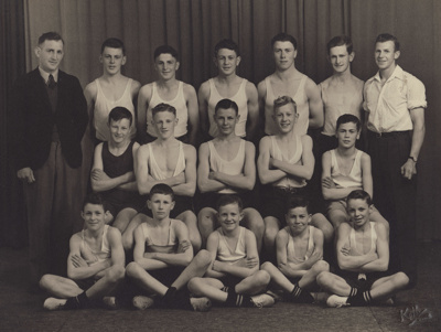 Photograph [Mataura Boxing Club, 1946]; Kelly (Gore); 1946; MT2011.185.309