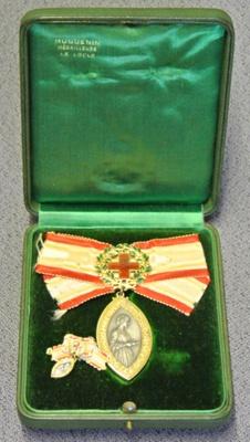 Florence Nightingale medal of Matron Sadie C. Macdonald