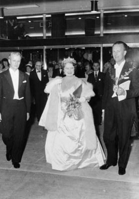 PHOTO FAIRFIELD OPENING QUEEN MOTHER MAYOR ; NOV 1962; 196211FQ
