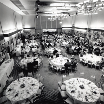 PHOTO ARNHEM GALLERY CLEA CONFERENCE LUNCH; JUL 1988; 198807FA