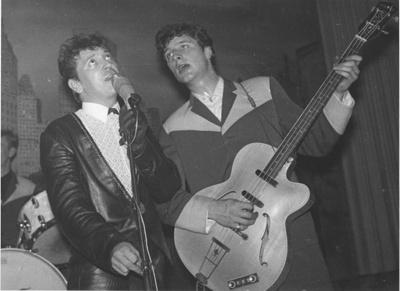 PHOTO GENE VINCENT & CHAS HODGES AT FAIRFIELD HALLS MAY 1963; MAY 1963
