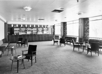 PHOTO FAIRFIELD HALLS BAR; NOV 1962; 196211LC
