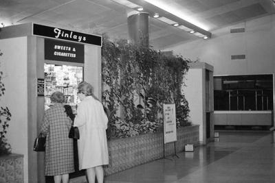 PHOTO FAIRFIELD SWEET SHOP; SEP 1966; 196609FP
