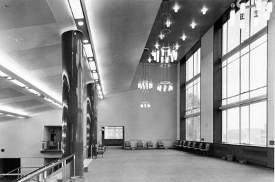 PHOTO FAIRFIELD HALLS SUN LOUNGE; NOV 1962; 196211LG