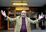 PHOTO - KEN DODD AT FAIRFIELD HALL STAGE DOOR; MAR 2014; MD201403