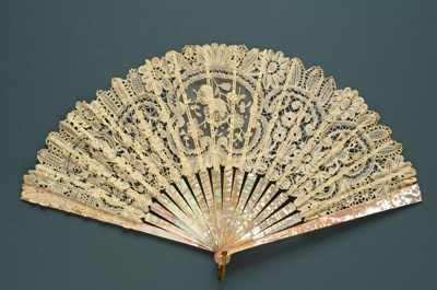 Folding Fan; c. 1900-10; LDFAN2003.174.Y
