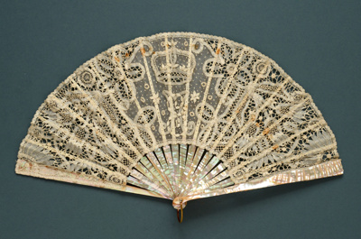 Folding Fan; 1911; LDFAN2004.1