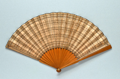 Wooden folding fan printed with country dances English, 1789; LDFAN2014.178