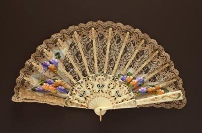 Folding Fan; LDFAN1994.105