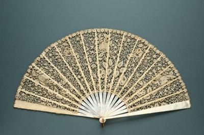Folding Fan; 1890s; LDFAN2003.54.Y