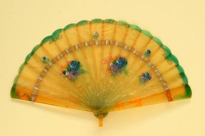 Brisé Fan; c.1930; LDFAN2011.131