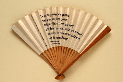 Folding fan printed with a poem by Judith Herzberg; LDFAN1998.20