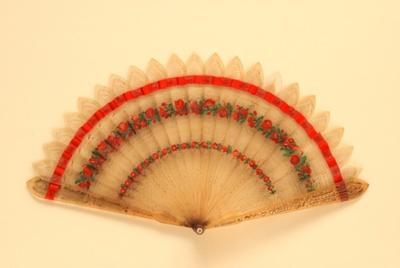 Horn Brisé Fan; c.1820s; LDFAN1997.27