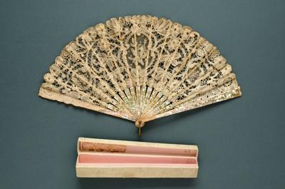 Folding Fan & Box; LDFAN1991.64.1 & LDFAN1991.64.2