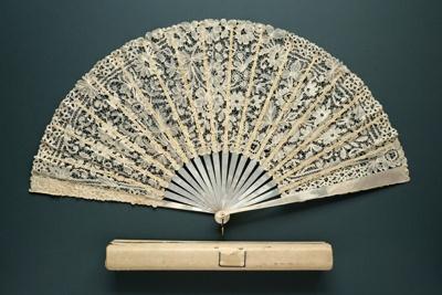 Folding Fan & Box; c.1890; LDFAN2011.93.A & LDFAN2011.93.B