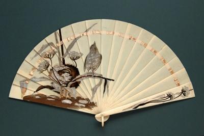 Ivory Brisé Art Nouveau Fan; c.1910; LDFAN2008.44