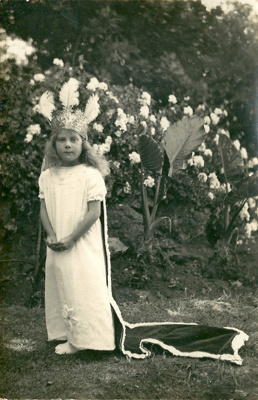 Muriel Blott, aged 7; Blott, Frederick; 1930