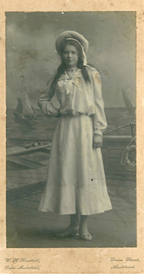 Kitty Atchison; Bartlett Studios; c1900; GM-KC-0007.A