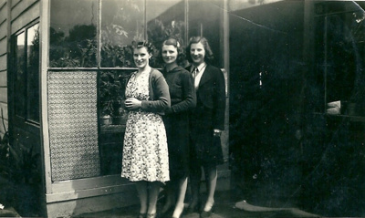 Ina, Maysie and Juene McPhail; unknown; 1940 ; GM-KC-0022.A