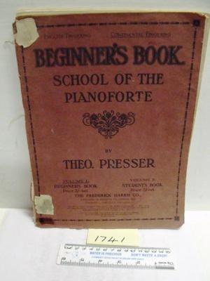 Music Book - Beginner's Book'; The Frederick Harris Co.; 1930; R01741