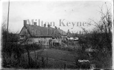 Monochrome photograph; Maurice Kitchener; 1925 to 1936; 1-125