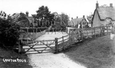 Monochrome photograph; Maurice Kitchener; 1925 to 1936; 10-151