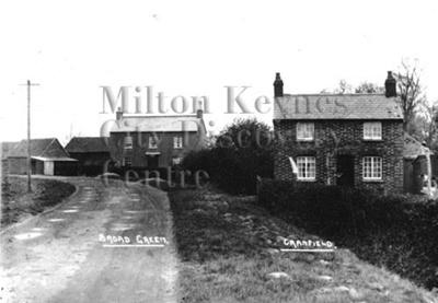 Monochrome photograph; Maurice Kitchener; 1925 to 1936; 7-155