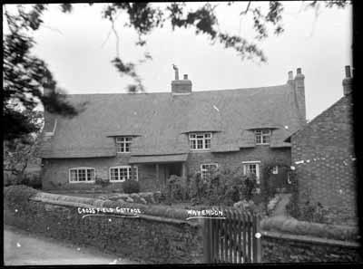 Cross Field Cottage, Wavendon; Kitchener, Maurice; 1925 to 1936; KIT/29/1631