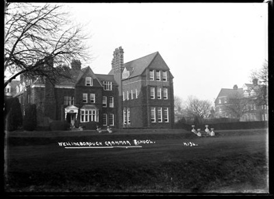 Wellingborough Grammar School; Kitchener, Maurice; 1925 to 1936; KIT/30/1672