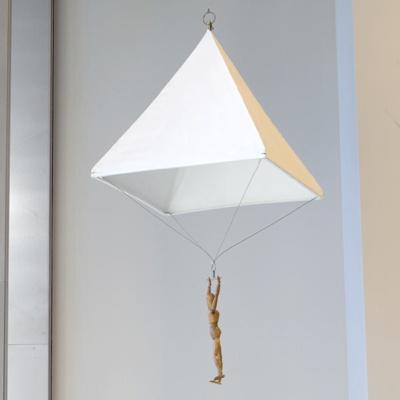 Parachute; Leonardo Da Vinci, Roberto Guatelli; UTS1464