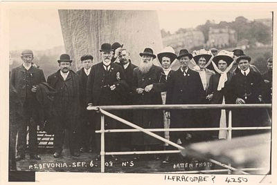 Passengers aboard Paddle Steamer Devonia; 6 Sep 1909; 4250